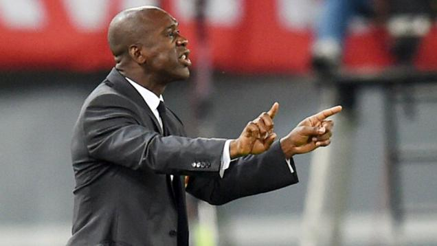 Seedorf Tuntut Milan Bayar Sisa Gaji