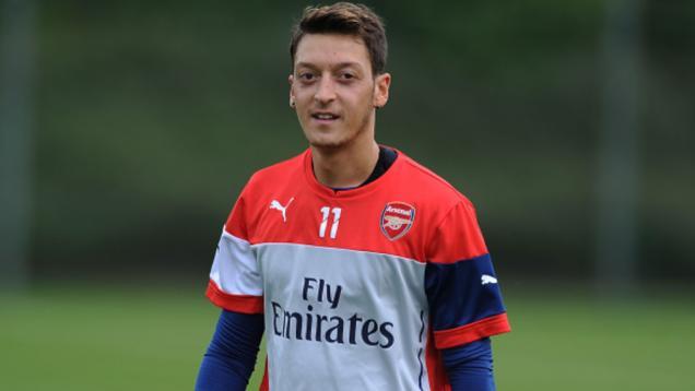 Ini Alasan Oezil Bahagia Main di Arsenal