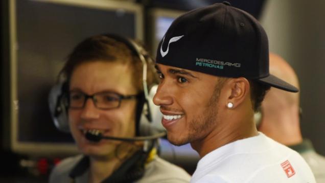 Pimpin FP2, Lewis Hamilton Tak Puas